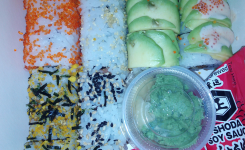 Banzai  Sushi Bar, take away combo 24 roll, NY, San Francisco...