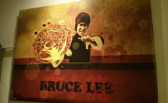 Kung Fu Bar Restaurante, cuadro bruce lee