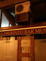 Laberinto Bar Music, puerta